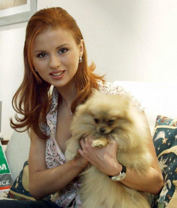 Анна Семенович с собакой