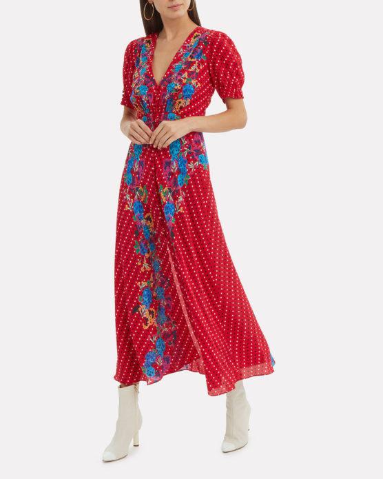 Красное платье с цветочным узором