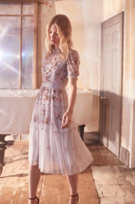 Романтичное платье с вышивкой