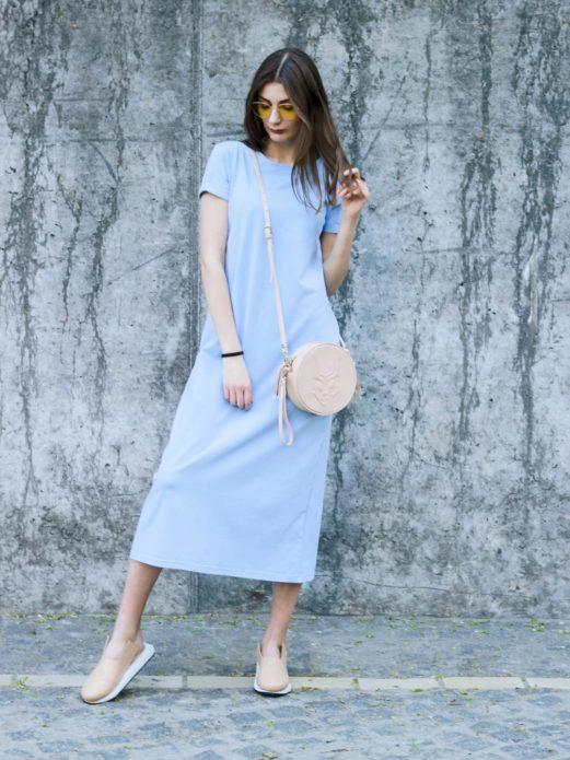 Удобное и простое платье в стиле кэжуал