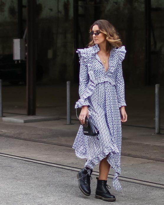 Необычный дизайн платья миди