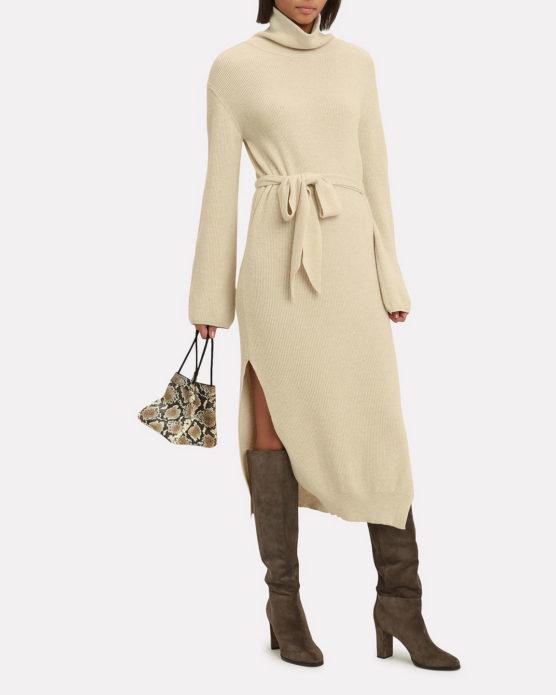Вязаное платье кремового оттенка