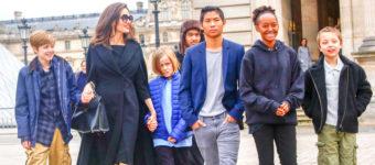 Джоли с детьми 2018