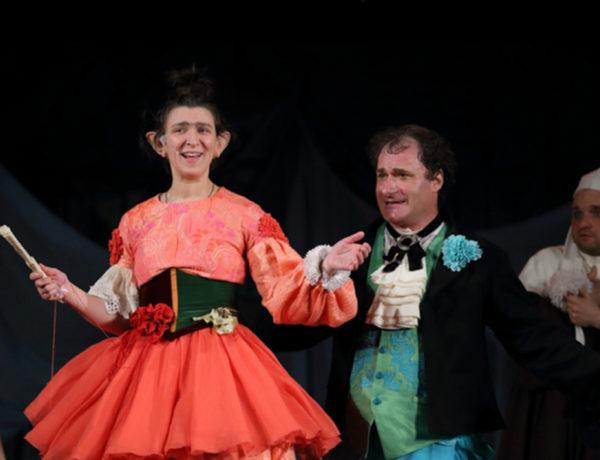Олеся Железняк в театральной постановке
