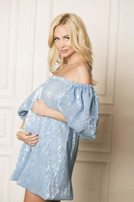 Виктория Лопырёва беременна