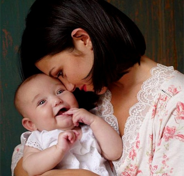 Катрин Хардинг с дочерью