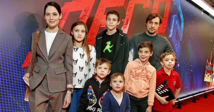 Снигирь и Цыганов с детьми