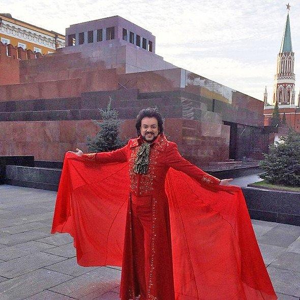 Шокирующие наряды Филиппа Киркорова