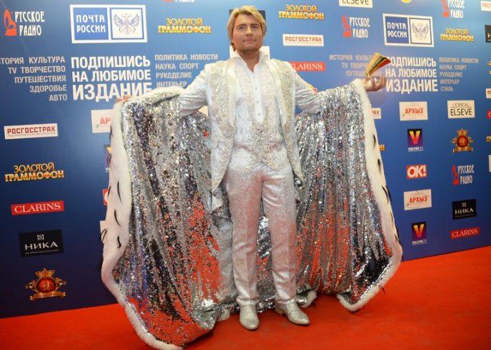 Шокирующие наряды Николая Баскова