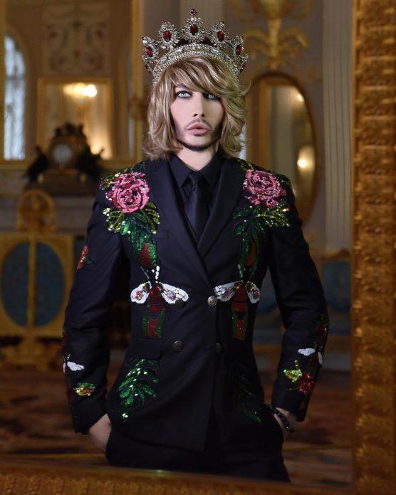Эпатажные наряды Сергея Зверева
