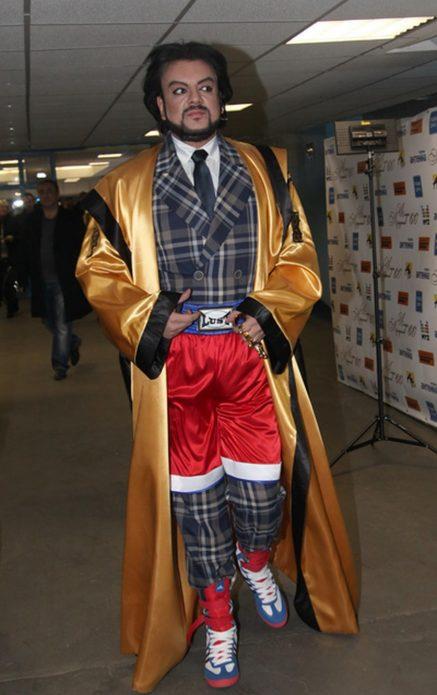 Киркоров в шортах на костюм