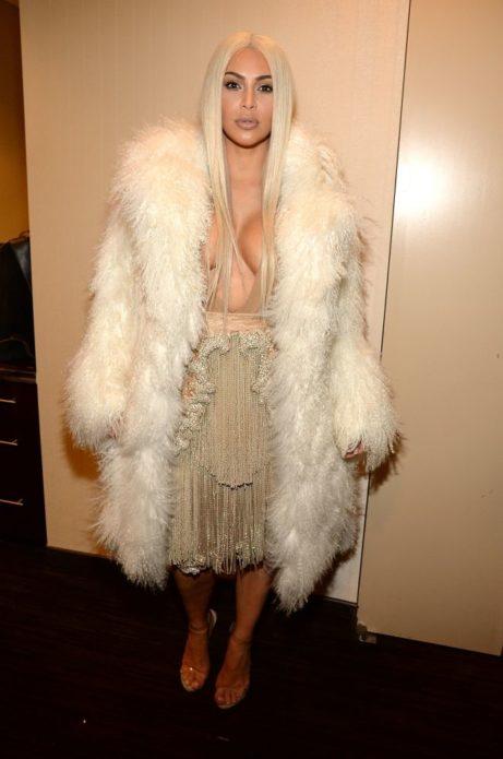 Скандальные наряды Ким Кардашьян
