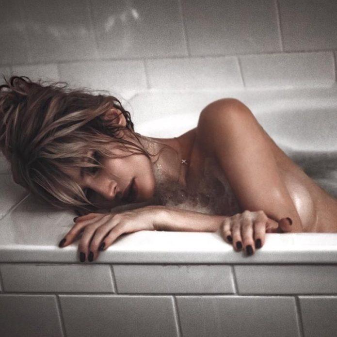Лободу высмеяли за фото из ванной