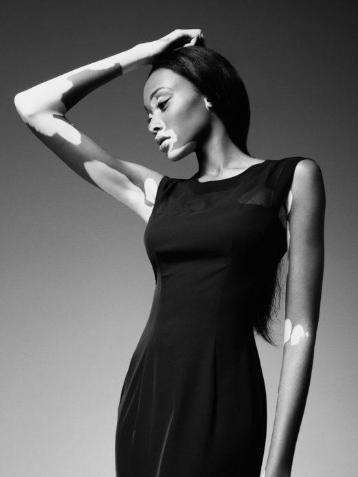 Чёрно-белое фото Шантель Браун-Янг