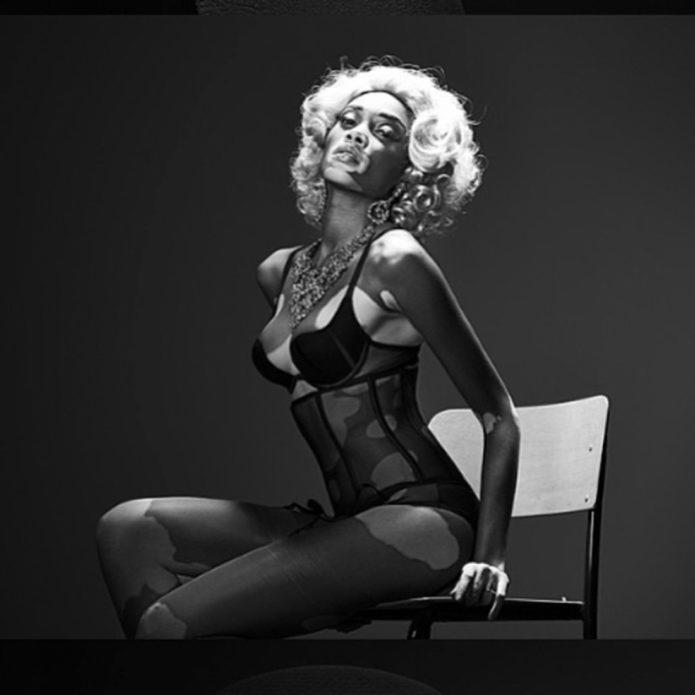 Чёрно-белое ото Шантель Браун-Янг в нижнем белье