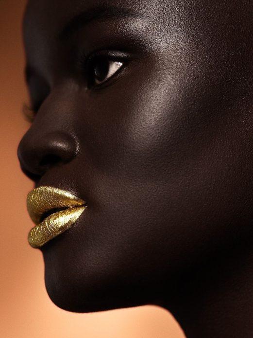 Худия Диоп с золотыми губами