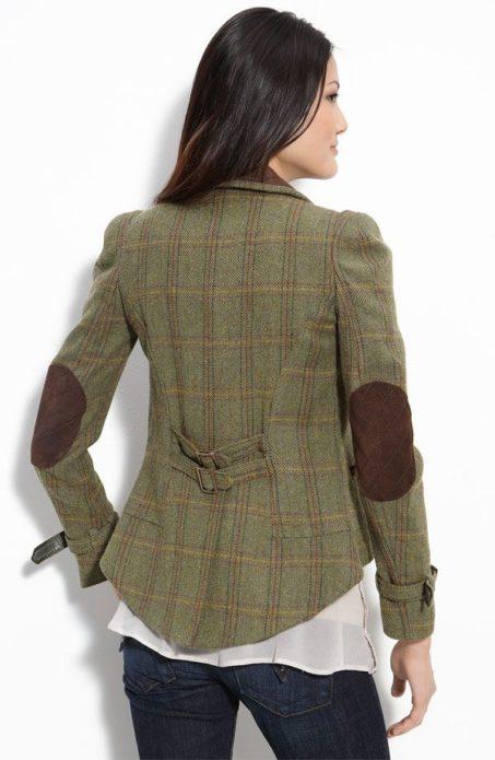 девушка, спина, твидовый пиджак с заплатками