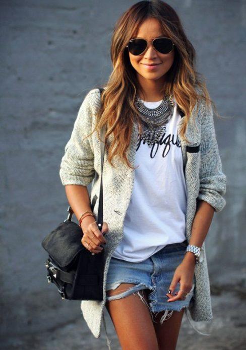 девушка в солнечных очках, шерстяной кардиган, чёрная сумка