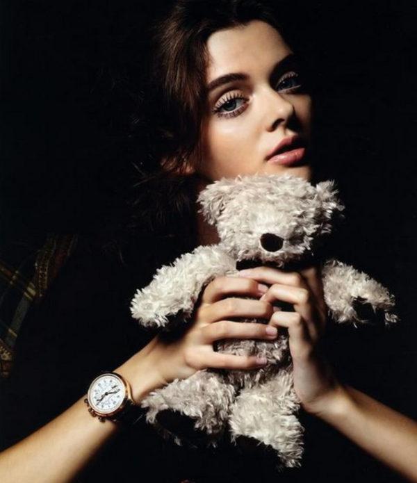 Мария Тельна с мишкой