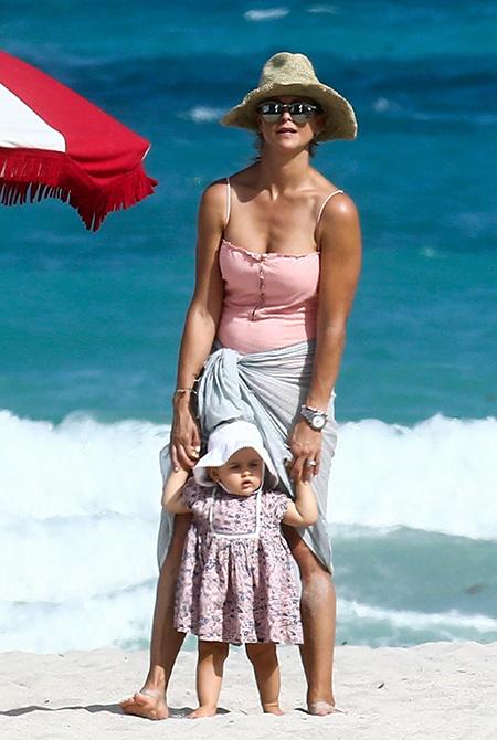 шведская принцесса с дочерью