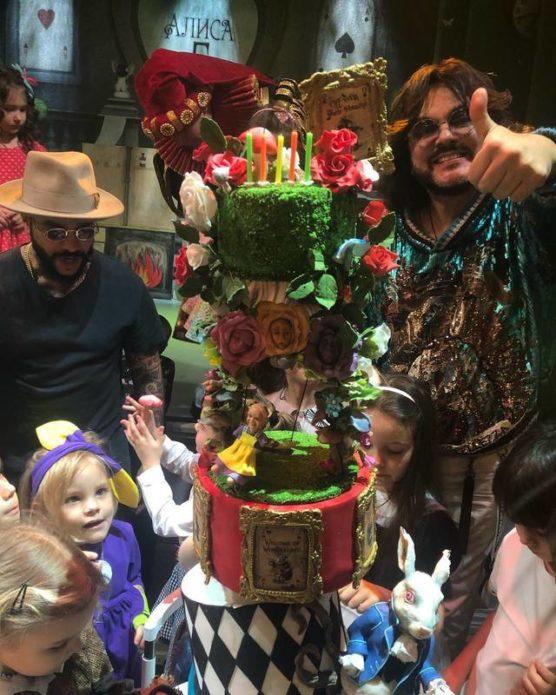 день рождения дочери тимати