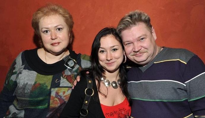 Николай Бандурин с женой и дочерью
