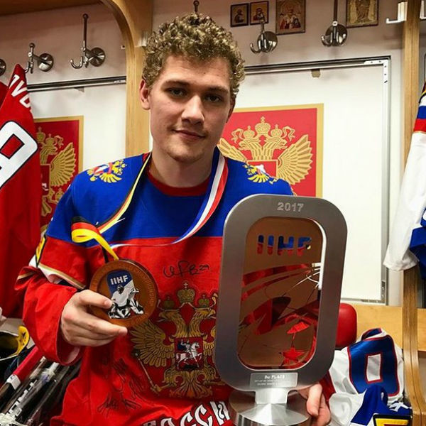 Бойфренд Седоковой — хоккеист Андрей Миронов