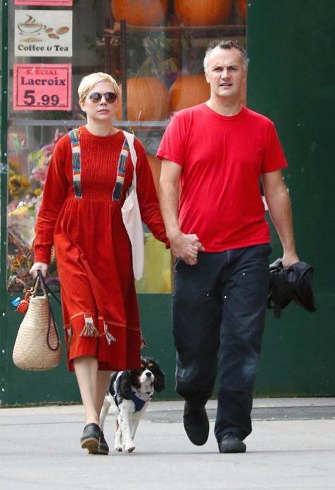 Мишель Уильямс с супругом