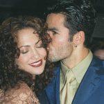 Дженнифер и Охани в поцелуи