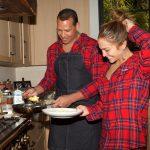 Дженнифер и Алекс на кухне