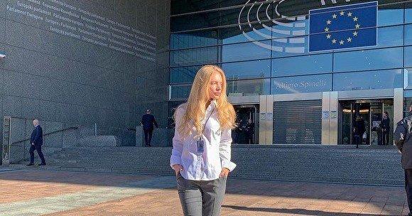 Лиза Пескова решила вернуться в Россию