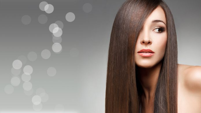 Девушка с прямыми волосами