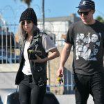 Леди Гага на прогулке с бойфрендом