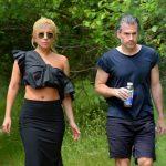 Гага и Кристиан на прогулке