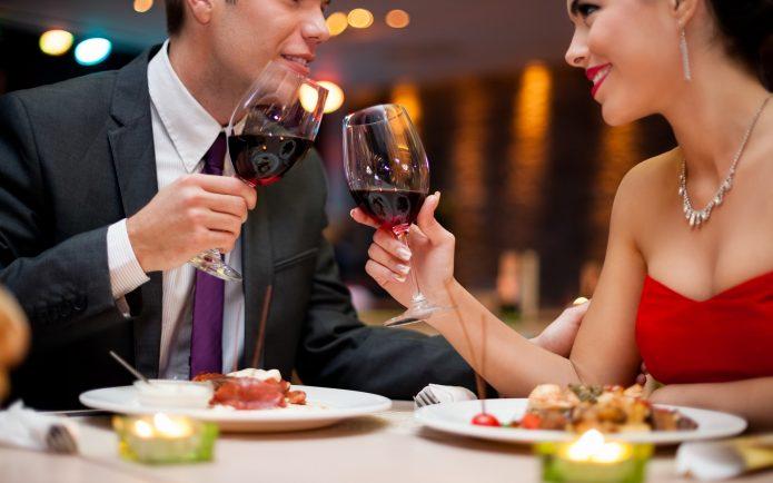 Романтическая встреча в ресторане