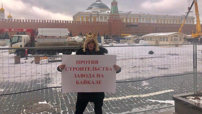 Сергей Зверев получил штраф за одиночный пикет