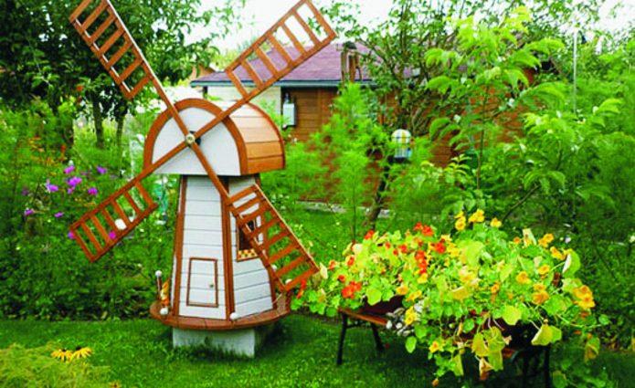 Ветряная декоративная мельница