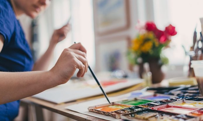 художница, кисть, краски
