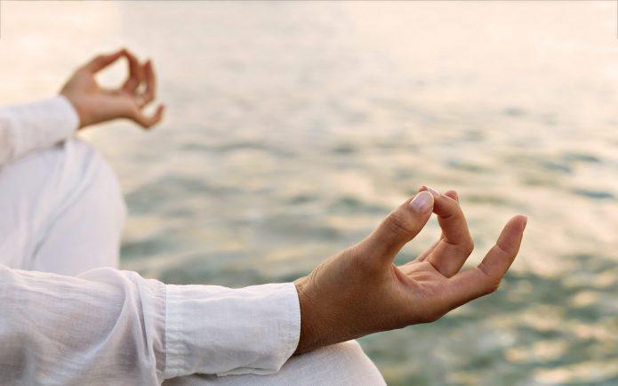 медитация, руки, вода