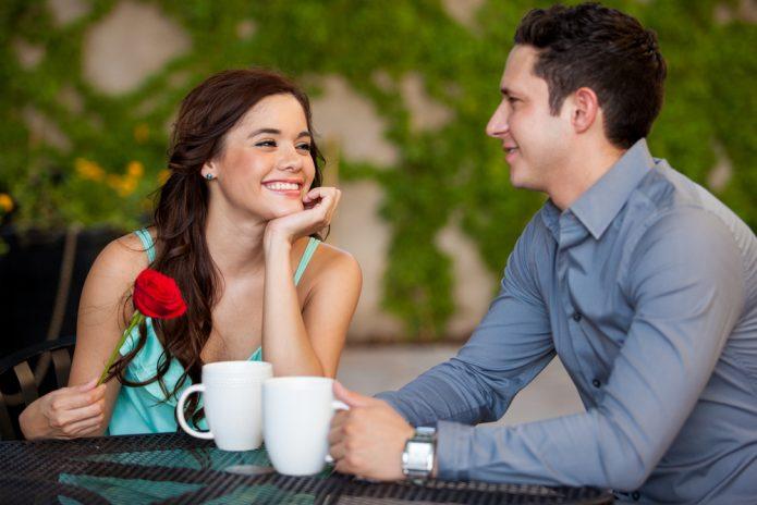 свидание, роза, две чашки