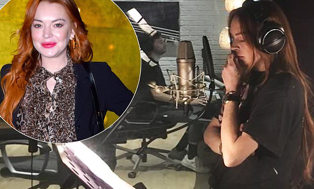 Линдси Лохан в студии звукозаписи