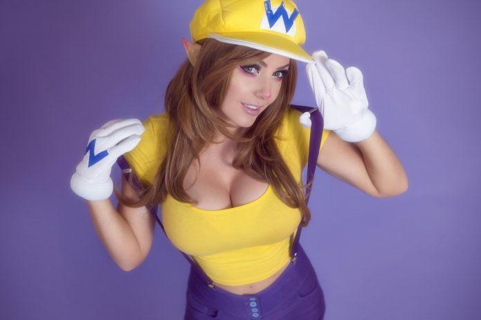 Джесссика в образе Марио