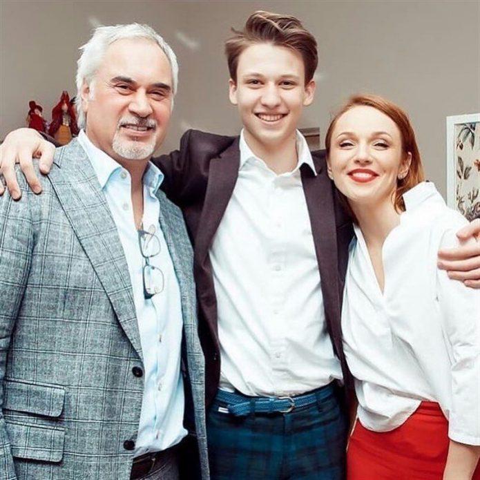 Меладзе и Джанабаева с сыном