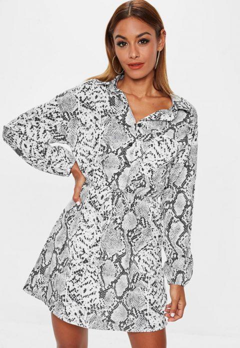 Платье со змеиным принтом