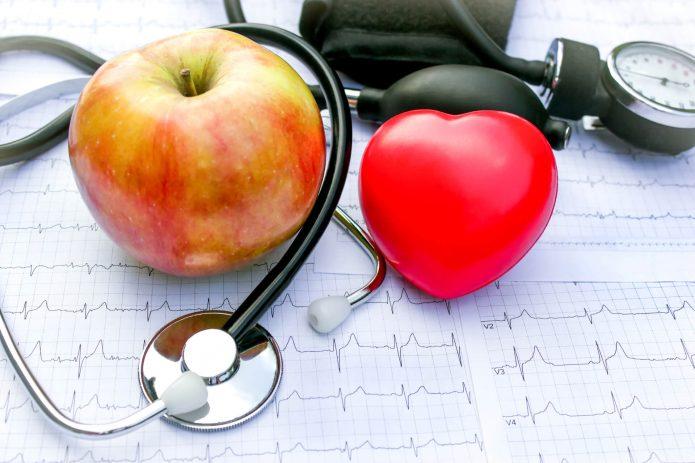 яблоко, кардиограмма, сердце, стетоскоп