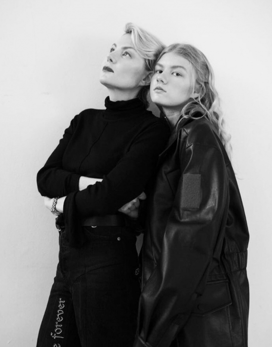 Ульяна Добровская и Рената Литвинова