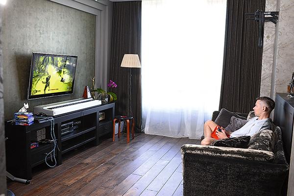 Стас Пьеха показал новую квартиру