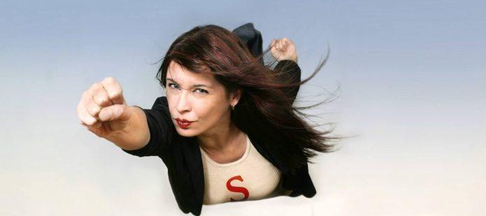 Женщина в роли Супермена