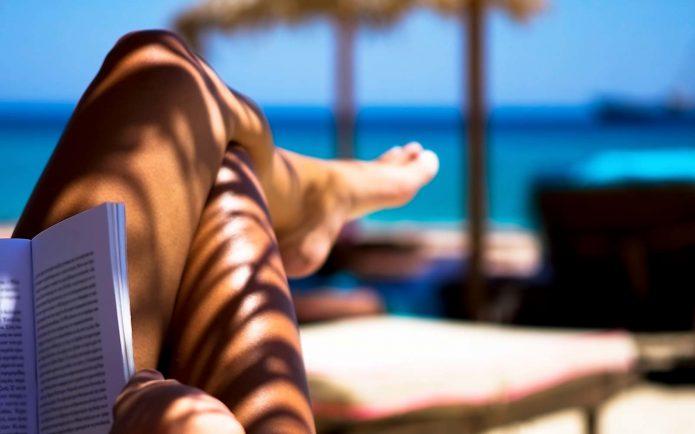 ноги, девушка, загар, пляж, книга