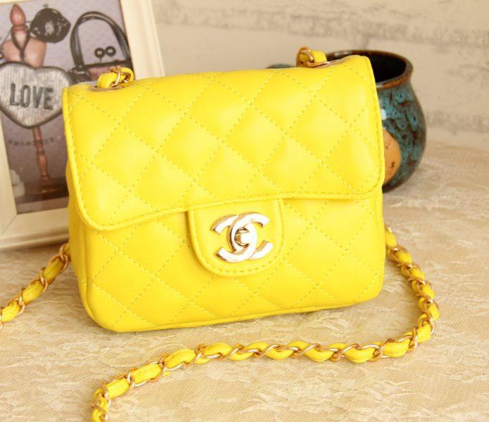 яркая жёлтая сумочка